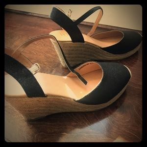 Shoes - Women's Sling back shoes ~ never worn~ size 11